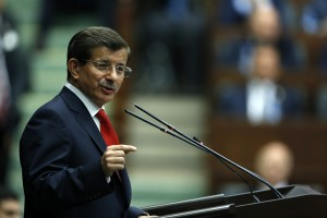 AK Parti Genel Baskani ve Basbakan Ahmet Davutoglu, partisinin grup toplantisinda konustu. 14 Ekim 2014 / Mustafa Kirazli
