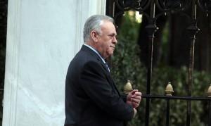 Ο Αντιπρόεδρος της Κυβέρνησης Γιάννης Δραγασάκης κατευθύνεται στο Προεδρικό Μέγαρο, για την ορκωμοσία της νέας Κυβέρνησης, Τρίτη 27 Ιανουαρίου 2015. ΑΠΕ - ΜΠΕ/ΑΠΕ - ΜΠΕ/Αλέξανδρος Μπελτές