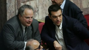 KOTZIAS-TSIPRAS-BOULH01-16OCTOBER2015-777x437