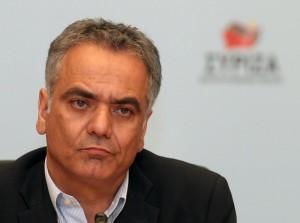 Ο Πάνος Σκουρλέτης παρακολουθεί την ομιλία του προέδρου της ΚΟ του ΣΥΡΙΖΑ Αλέξη Τσίπρα στη διακαναλική συνέντευξη στο Ζάππειο Μέγαρο, Αθήνα, την Τρίτη 12 Ιουνίου 2012, ενόψει των βουλευτικών εκλογών στις 17 Ιουνίου 2012. ΑΠΕ-ΜΠΕ/ΑΠΕ-ΜΠΕ/ΣΥΜΕΛΑ ΠΑΝΤΖΑΡΤΖΗ