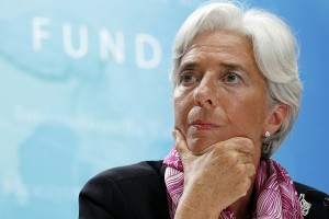 IMF managing director Christine Lagarde holds a news briefing at the International Monetary Fund headquarters in Washington July 6, 2011.  REUTERS/Kevin Lamarque  (UNITED STATES - Tags: BUSINESS HEADSHOT IMAGES OF THE DAY)