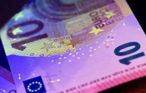New ten euro bill security features