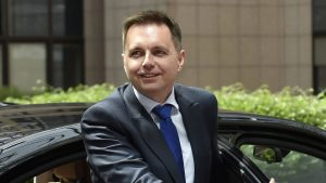 le-ministre-slovaque-des-finances-peter-kazimir-le-11-mai-2015-a-bruxelles_5372325
