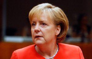 ΒΥΞΕΛΛΕΣ-Στιγμιότυπο από την συνεδρίαση της συνόδου Κορυφής της Ευρωπαϊκής 'Ενωσης στις Βρυξέλλες,έναρξη των εργασιών.Στην φωτογραφία ο Πρωθυπουργός Γιώργος Παπανδρέου με την Γερμανίδα Καγκελάριο 'Ανγκελα Μέρκελ ,Πέμπτη 17 ιουνίου 2010 (EUROKINISSI/ΤΑΤΙΑΝΑ ΜΠΟΛΑΡΗ)