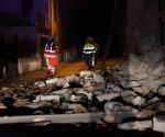epa05604733 Rescue operations begin after a 5.4-magnitude earthquake struck central Italy, in Villa Sant'Antonio village, near Visso, Marche region, Italy, 26 october 2016.  EPA/MATTEO CROCCHIONI