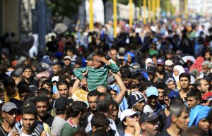 20150905_migrant-slide-fuek-superjumbo