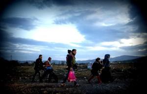 refugees_walking_across_macedonia_afp