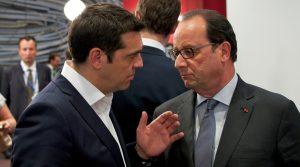 (Ξένη Δημοσίευση) Ο Πρωθυπουργός Αλέξης Τσίπρας (Α) συνομιλεί με τον πρόεδρο της Γαλλίας, Φρανσουά Ολάντ (Δ) κατά τη διάρκεια της Συνόδου Κορυφής της Ε. Ε., την Πέμπτη 25 Ιουνίου 2015, στην έδρα της Ευρωπαϊκής Επιτροπής, στις Βρυξέλλες. ΑΠΕ-ΜΠΕ/EUROPEAN COUNCIL/Christos DOGAS