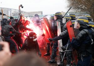Paris-31-3-16-cops-and-demo-france-student-protests