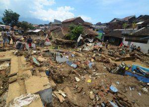 1066066_indonesia-flooding