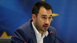 Ο υφυπουργός Οικονομίας, Ανάπτυξης και Τουρισμο Αλέξης Χαρίτσης μιλά σε συνέντευξη τύπου , Δευτέρα 6 Ιουνίου 2016. Ο Υπουργός Οικονομίας, Ανάπτυξης και Τουρισμού, Γιώργος Σταθάκης, ο Υφυπουργός Αλέξης Χαρίτσης και ο Γενικός Γραμματέας Στρατηγικών και Ιδιωτικών Επενδύσεων Λόης Λαμπριανίδης παραχώρησαν συνέντευξη τύπου με θέμα τον νέο Αναπτυξιακό Νόμο. ΑΠΕ-ΜΠΕ/ΑΠΕ-ΜΠΕ/Παντελής Σαίτας