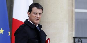 PARIS, FRANCE - NOVEMBER 14:  France's Prime minister Manuel Valls  leaves the Elysee Palace after a security meeting, on November 14, 2015 in Paris, France. The meeting follows a series of coordinated terrorist attacks in the French capital that left at least 127 people dead and over 200 injured.  (Photo by Thierry Chesnot/Getty Images)