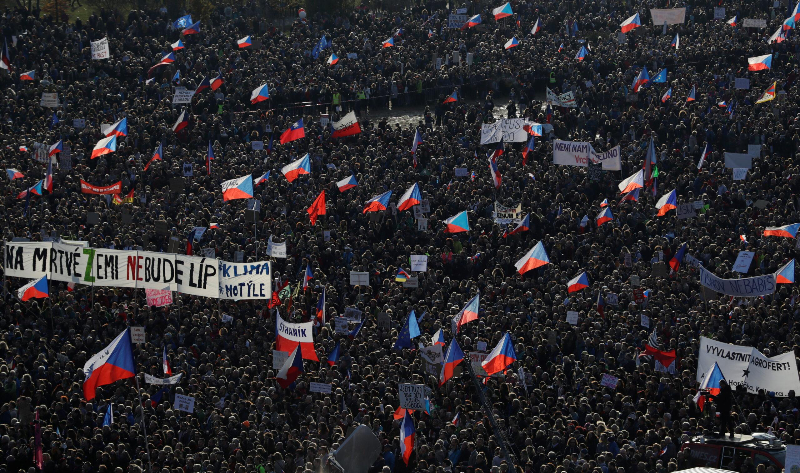 Τσεχία: Αντικυβερνητική διαδήλωση στην Πράγα